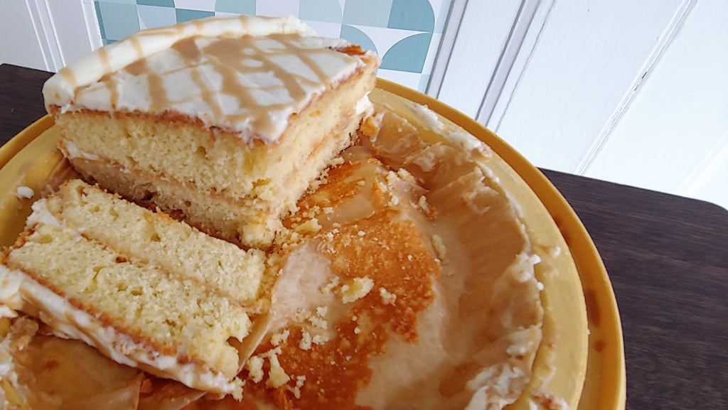 LORI'S KITCHEN: Yellow Cake with Butterscotch Sauce + Buttercream Frosting