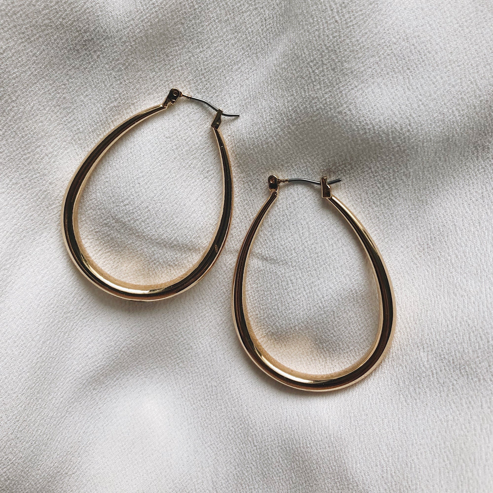 Gloria Oval Hoops Earrings