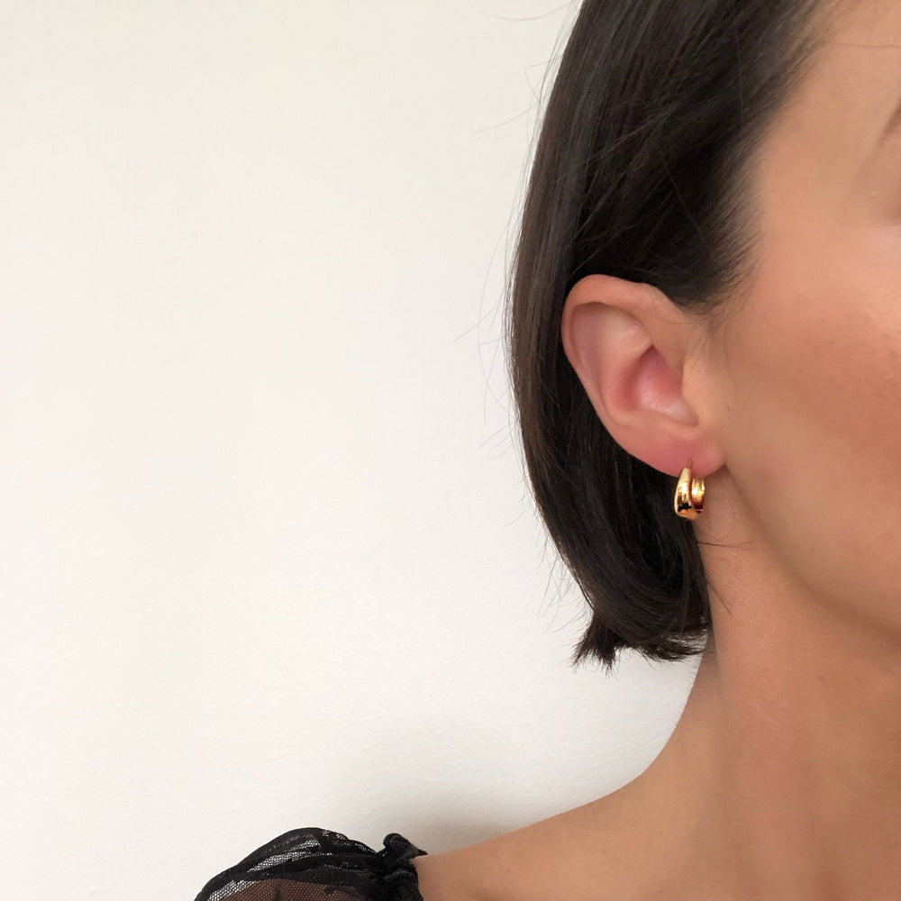 Mia Basic Hoop Earrings