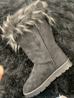 Black Furry Boots SH07