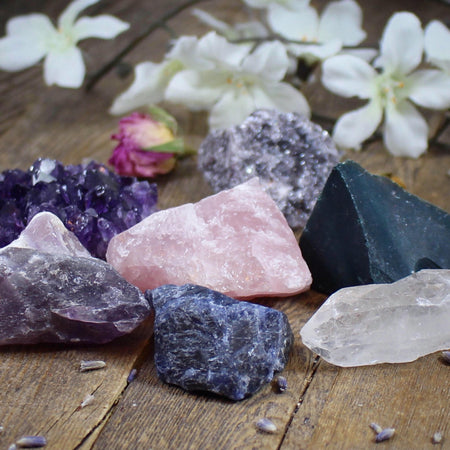 Beginner Crystal Set | Starter Kit with 6 Raw Natural Crystals and Stones | Bohemian Decor | Amethyst Clear Quartz Rose Quartz Lepidolite