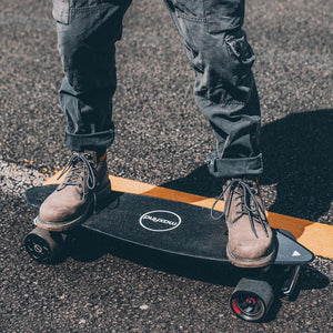 Best Electric Skateboard For College Students (Campus Commuting)