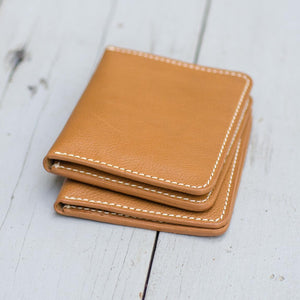 Minimalist Men's Slim Bi-fold Wallet