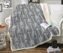 Load image into Gallery viewer, White Feather Arrows Sherpa Blanket