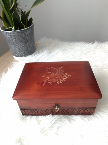 Wooden Wolf Box (Big)