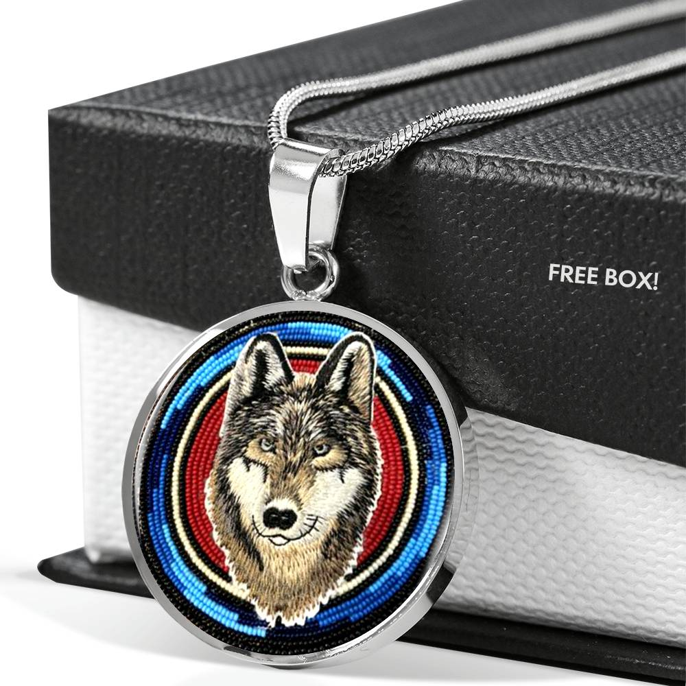 Canis Lupus Round Luxury Necklace