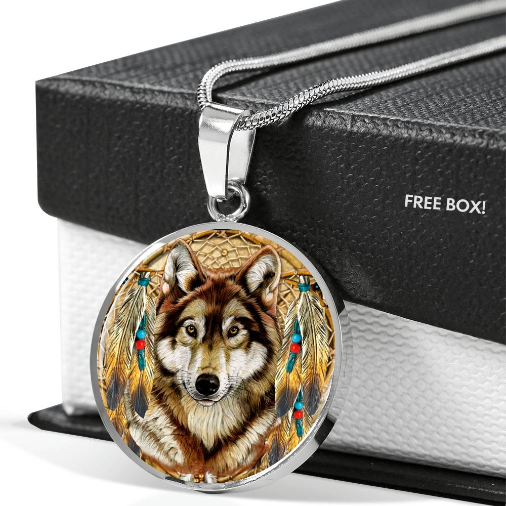 Lone Dreamcatcher Wolf Round Luxury Necklace