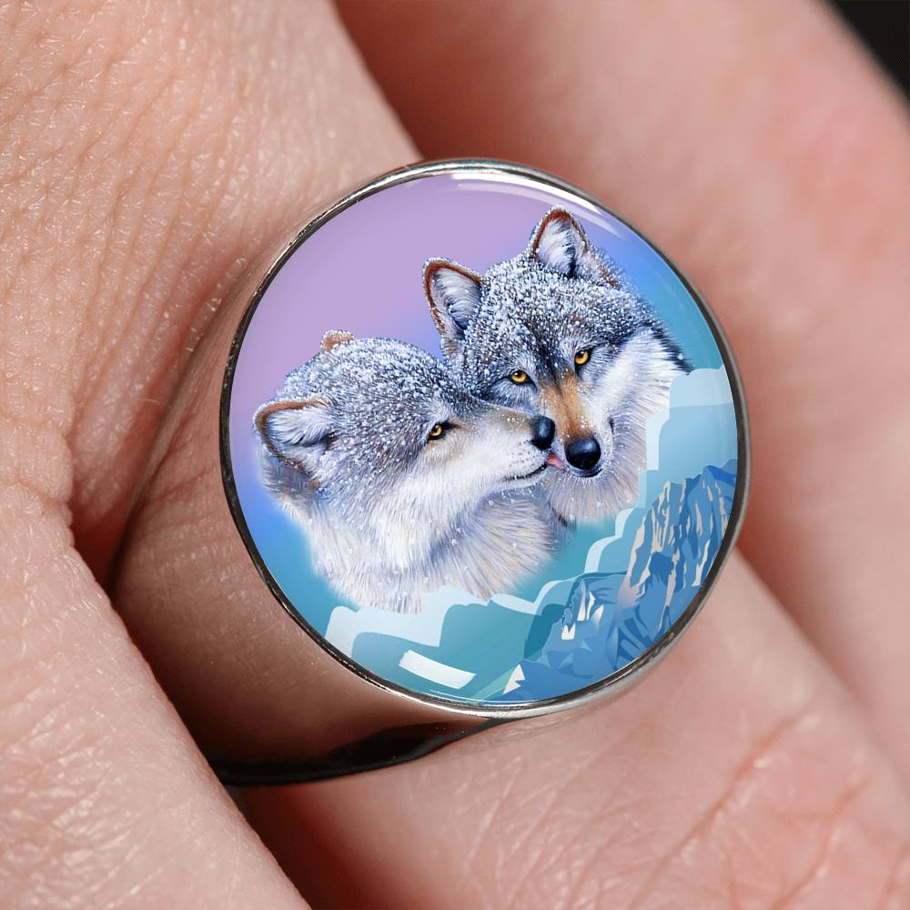 Wolf's kiss Signet Ring