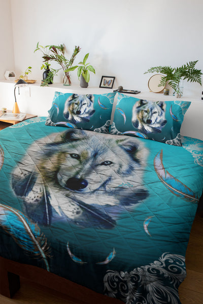 Turquoise Wolf Feather Quilt Set