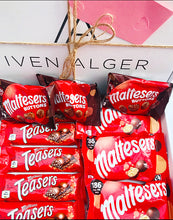 Load image into Gallery viewer, Maltesers Mix Hamper