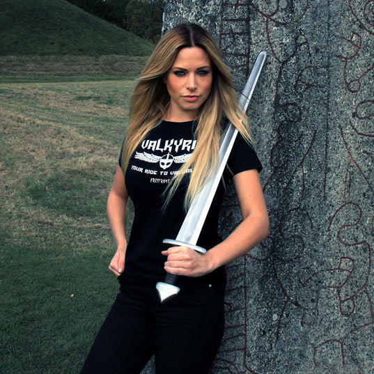 T-shirts - Women's Shirt, Valkyrie, Black - Grimfrost.com