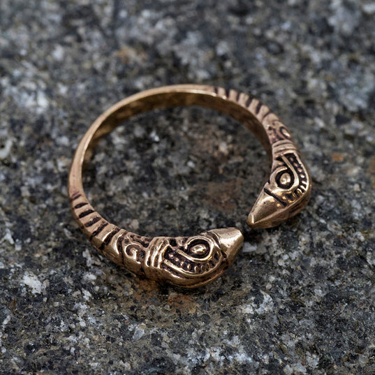 Viking Jewelry - Huginn & Muninn Ring, Bronze - Grimfrost.com
