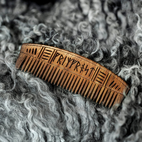 Combs - Viking Comb, Wood - Grimfrost.com