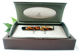Parker Duofold Mini Fountain Pen International in Mosaic Amber Colourway with Medium Nib