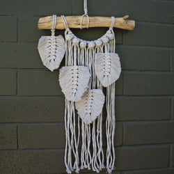 Feather / leaf macrame pattern instructions by Knot Modern Macrame