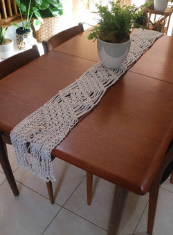 Knot Modern Macrame table runner DIY kit
