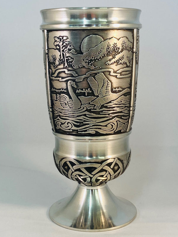 CHILDREN OF LIR GOBLET MADE OF PEWTER METAL WITH SOFT SILVER FINISH. ÉTAIN HARTZINN PELTRO