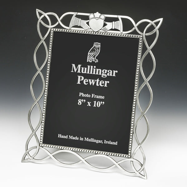 8 X 10 CELTIC KNOT PICTURE FRAME WITH CLADDAGH EMBLEM ATTACHED. PEWTER METAL SILVER FINISH MADE IN IRELAND ZINN ÉTAIN PELTRO