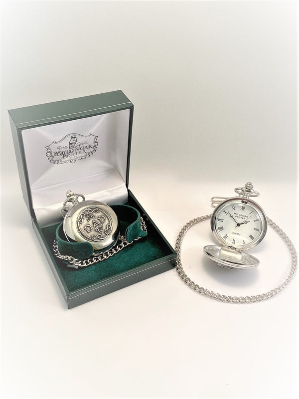 GENTS QUARTZ POCKET WATCH PEWTER SILVER METAL TIMEPIECE ÉTAIN HARTZINN PELTRO CELTIC CLADDAGH SHAMROCK IRELAND TRINITY