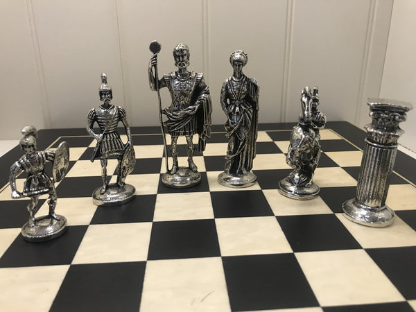 CHESS SET OF ROMAN FIGURES