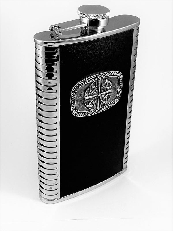 9OZ WHISKEY FLASK WITH TRINITY 4 DESIGN