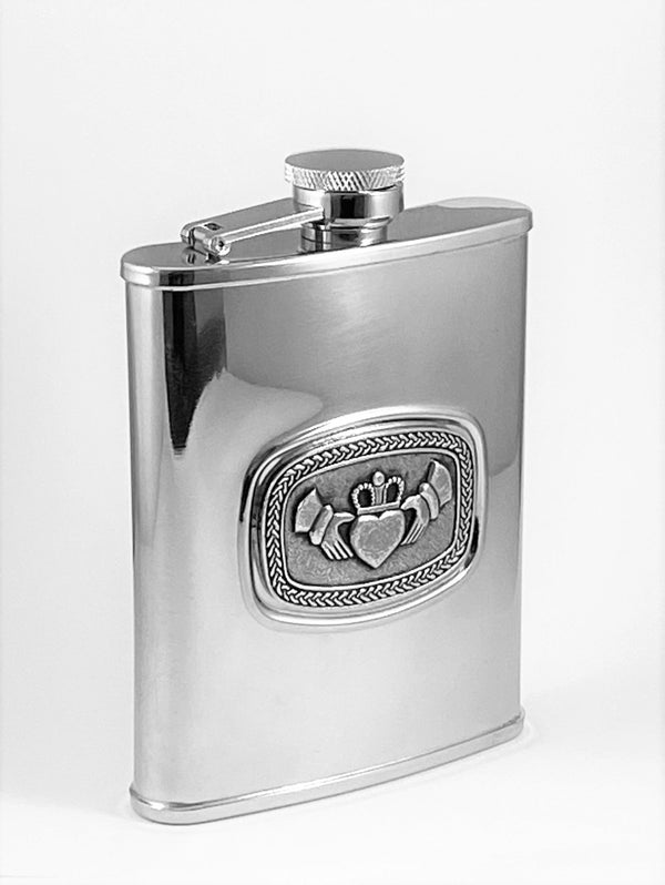 6OZ FLASK CLADDAGH WITH PEWTER METAL DESIGN ON STAINLESS STEEL SILVER FINISHED FLASK ÉTAIN ZINN HARTZINN