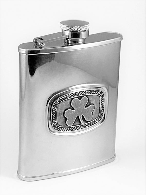 6OZ FLASK SHAMROCK PEWTER DESIGN WITH CELTIC SURROUND ON STAINLESS STEEL METAL FLASK. SILVER FINISH .ÉTAIN ZINN HARTZINN