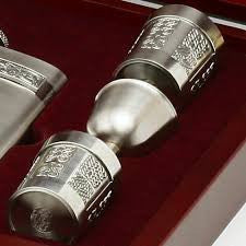Mullingar Pewter Wooden Boxed Whiskey Set