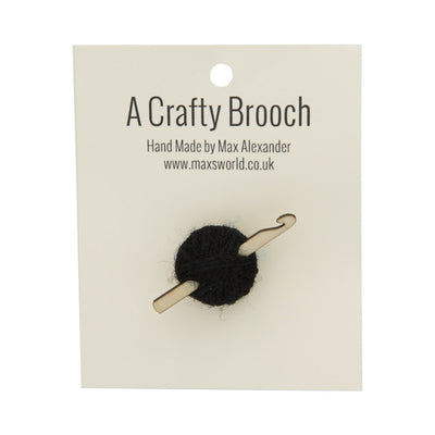 Max's World – Crochet Brooch