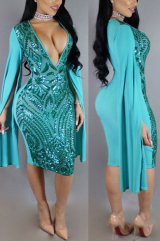 Channel the perfect glam chic allure as you make a statement to the party in this mermaid beaut.