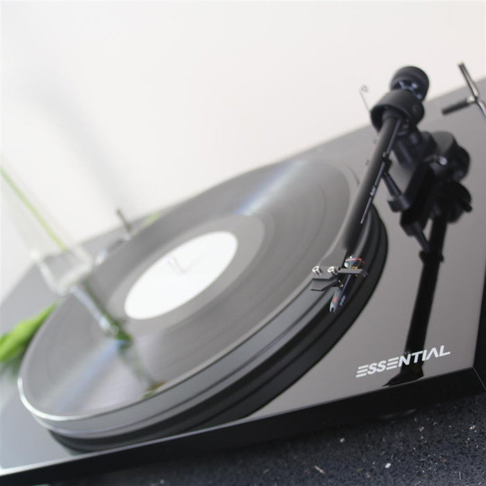 Pro-ject Essential III A Piano Black Turntable