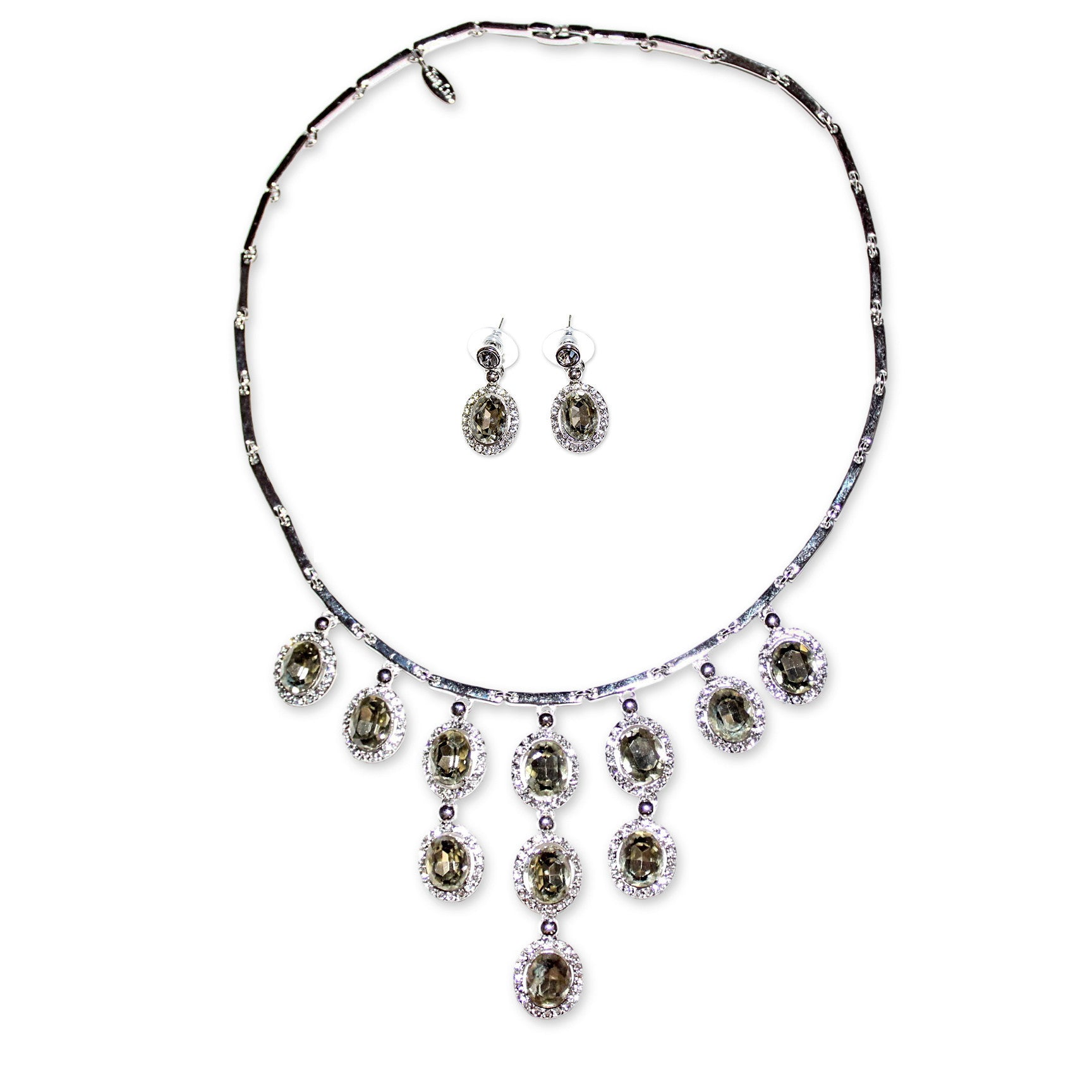 Ingken Necklace Set