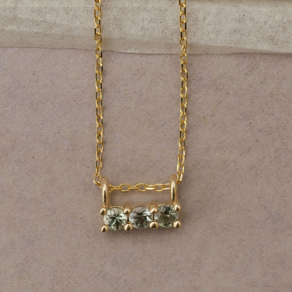 GREEN SAPPHIRE 3S NECKLACE