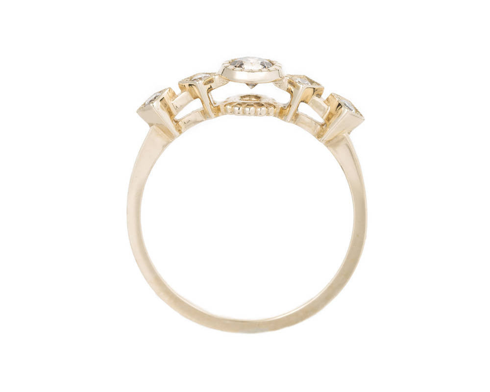 CHAMPAGNE DIAMOND ECHO RING