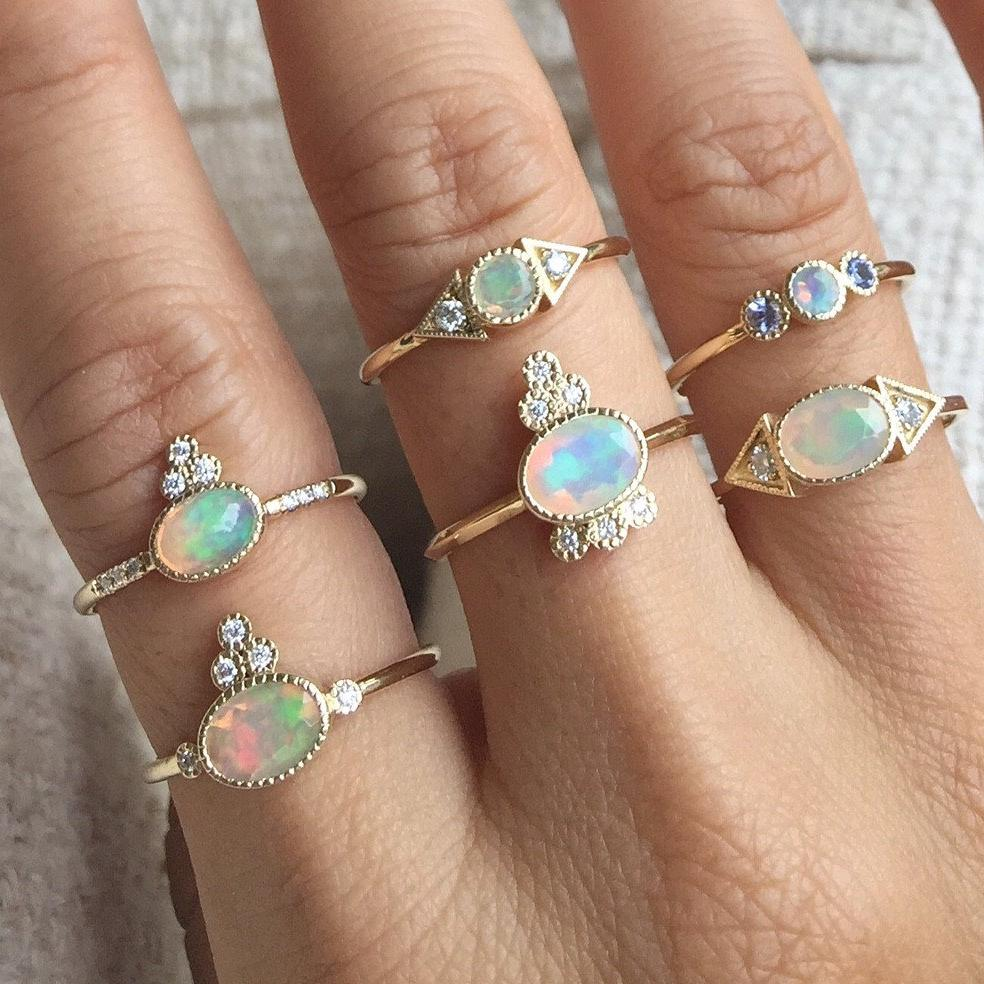 OPAL CROWN 5 DIAMOND RING