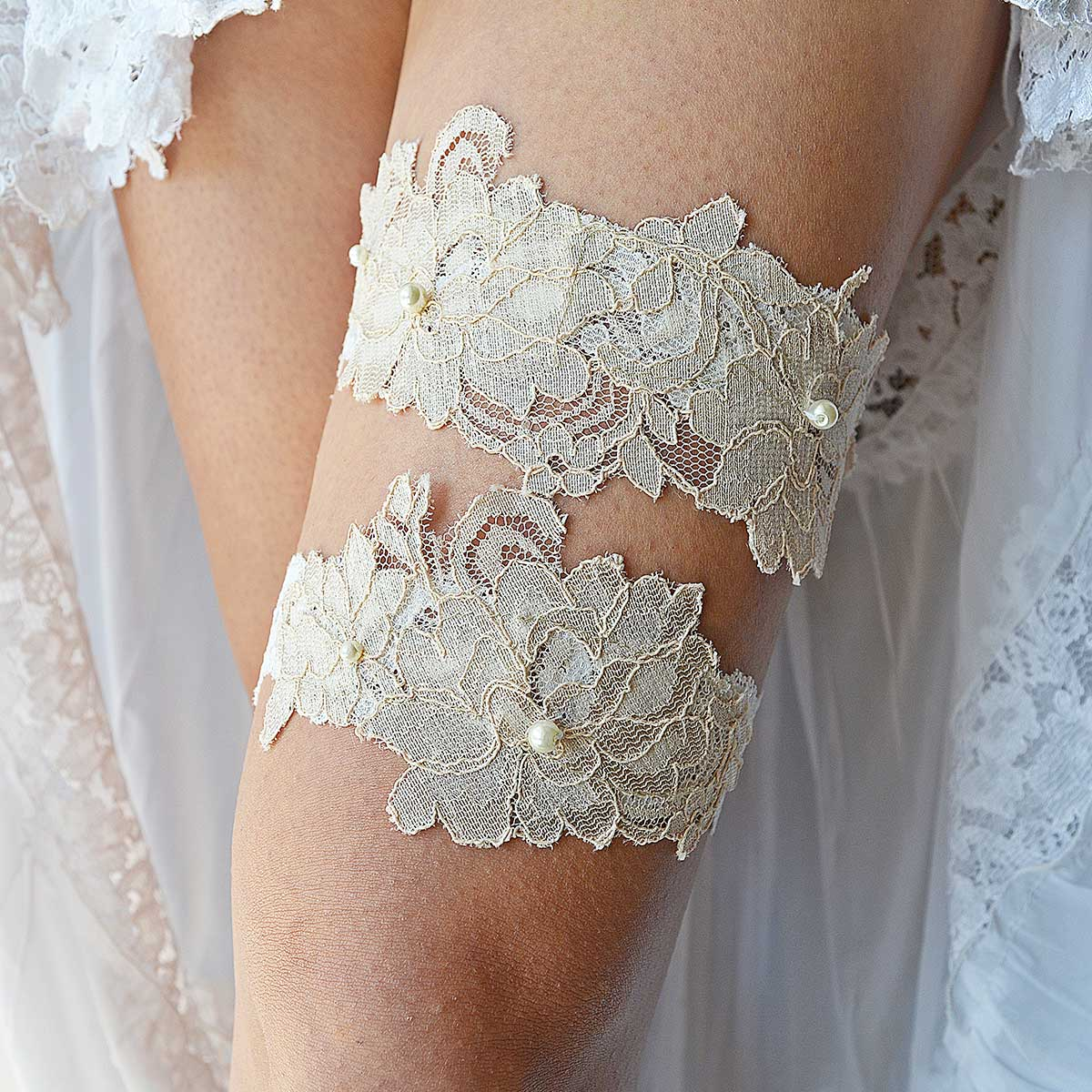Elastic Ivory Bridal Garter With Cream Applique Lace & Pearls