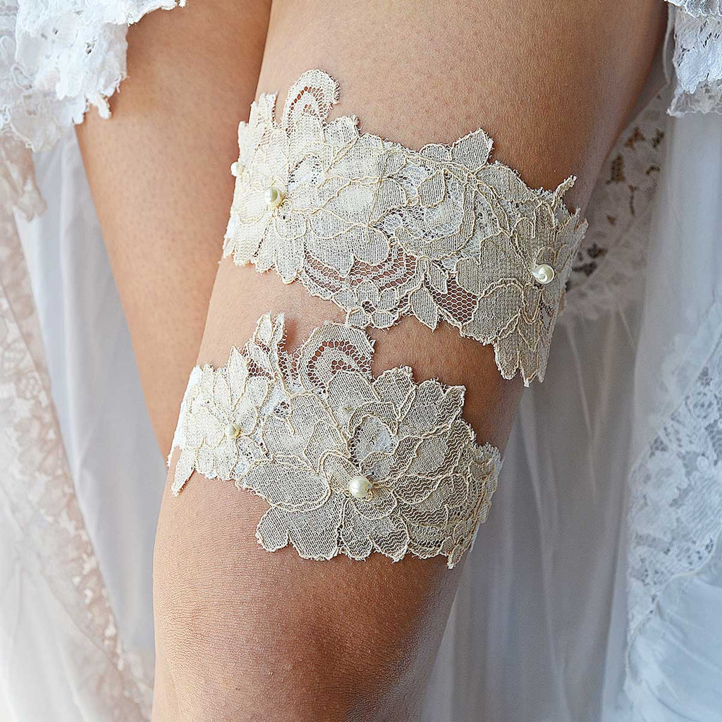 16f3d9e2d Elastic Ivory Bridal Garter With Cream Applique Lace   Pearls ...