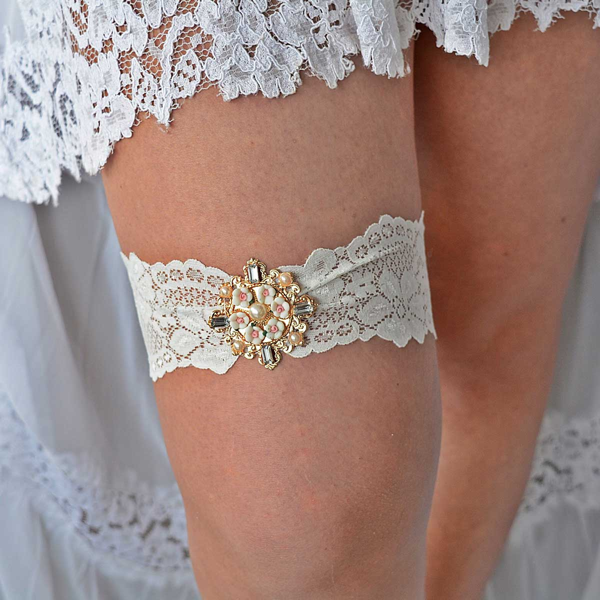 Ivory Bridal Garter Belt With Rose Gold Flower Rhinestone
