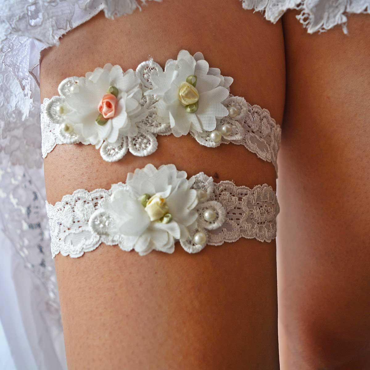 Off White Bridal Garter With Flowers & Pearls Handmade - Wedding Garter - SuzannaM Designs