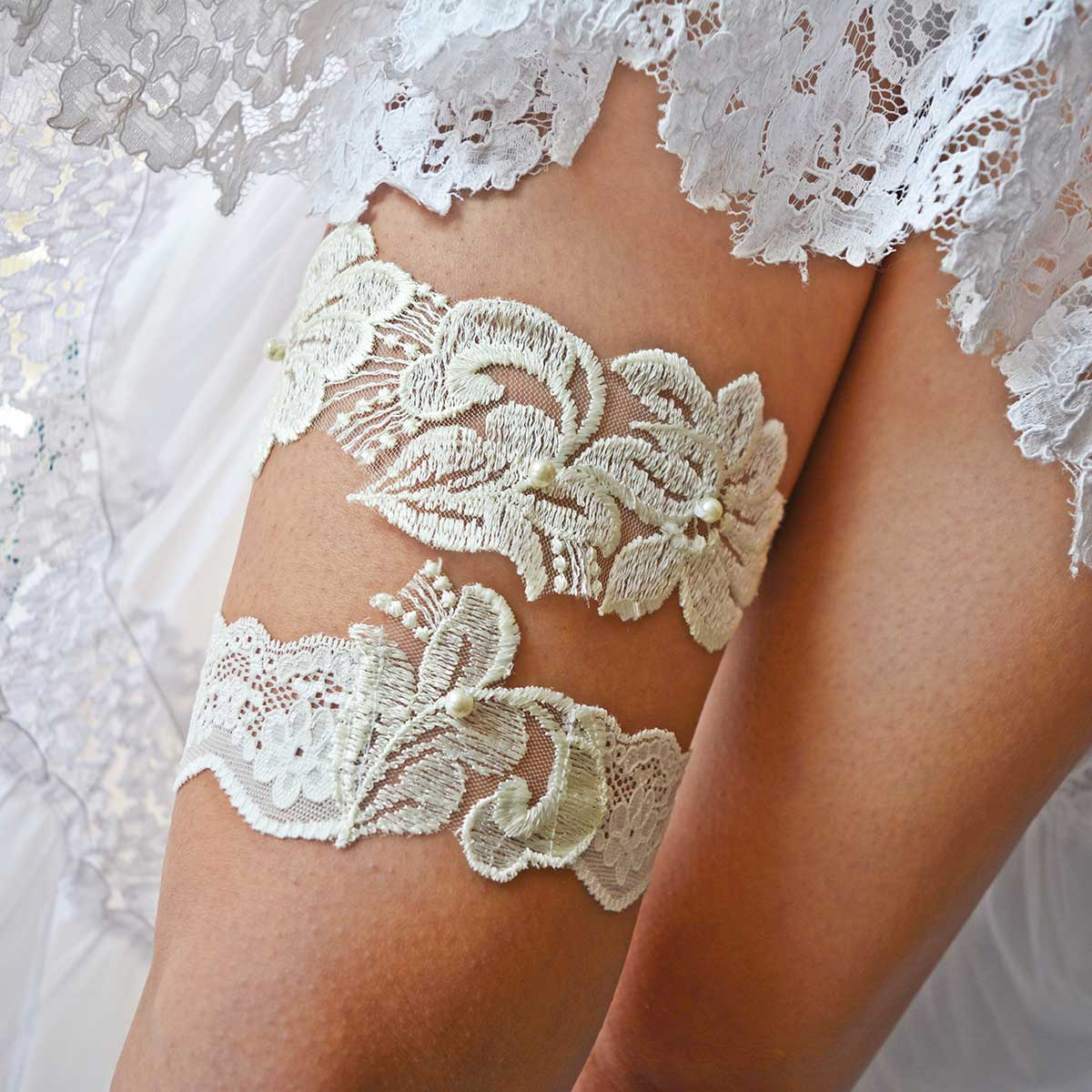 White Bridal Garter With Pearls & Flower Applique Handmade