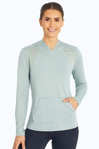 womens athletic clothes