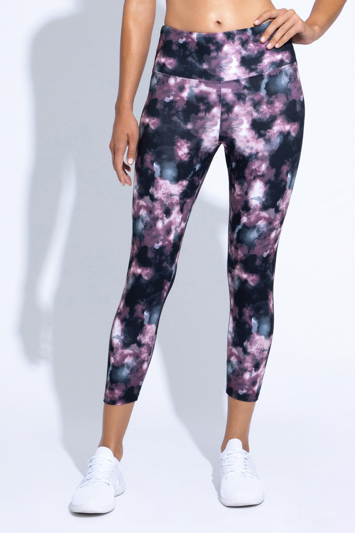 Printed High Waist Capri (woodrose floral clouds)