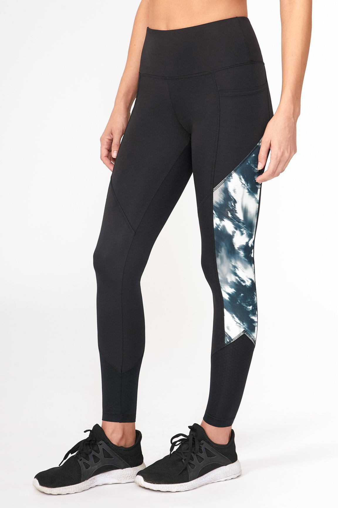Momentum Legging ( Black Distort Color)