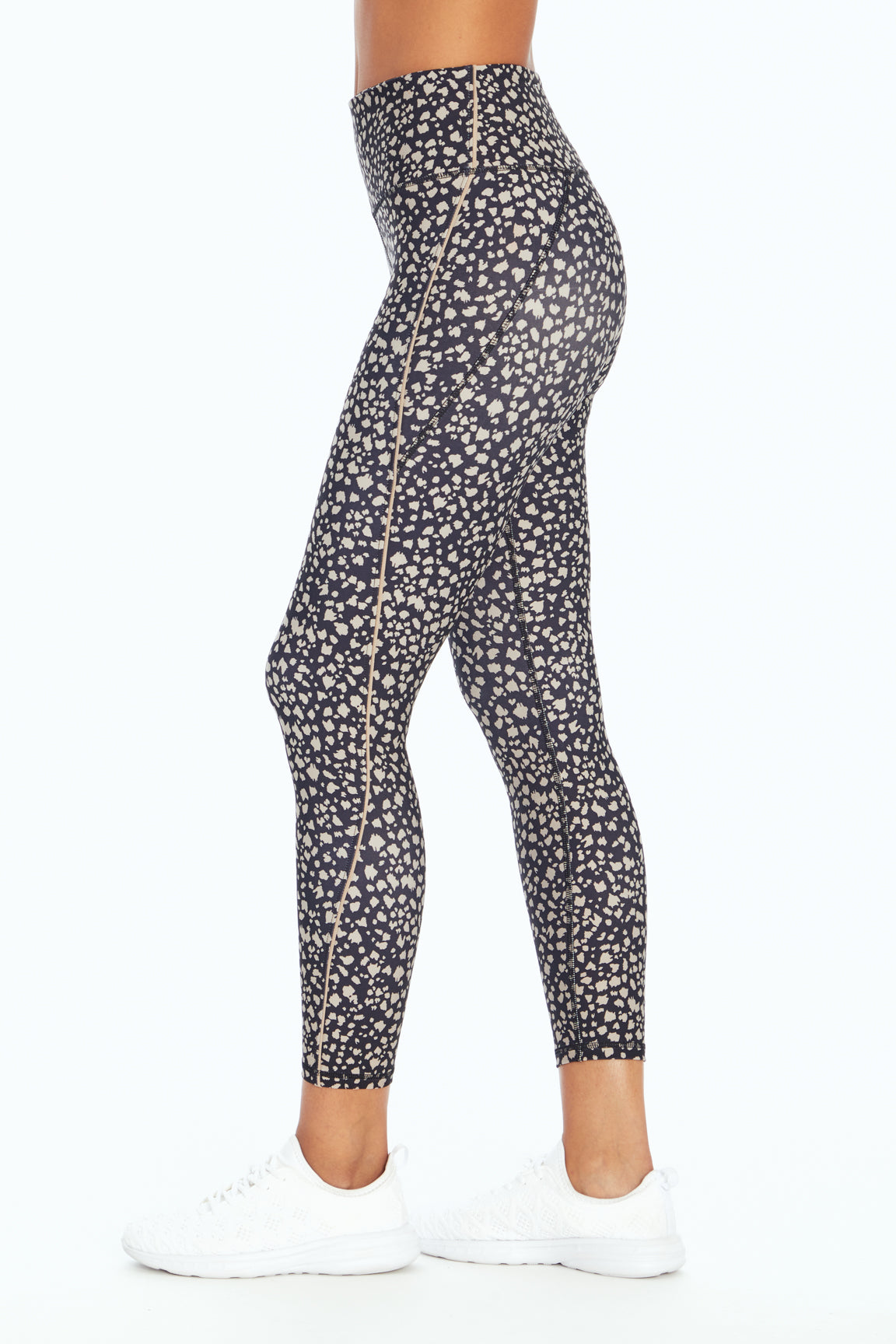 Iconic Legging (Black Torn Animal)
