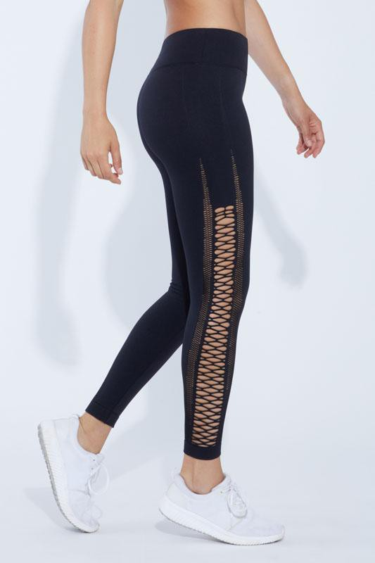 Seamless Capri Legging (black)
