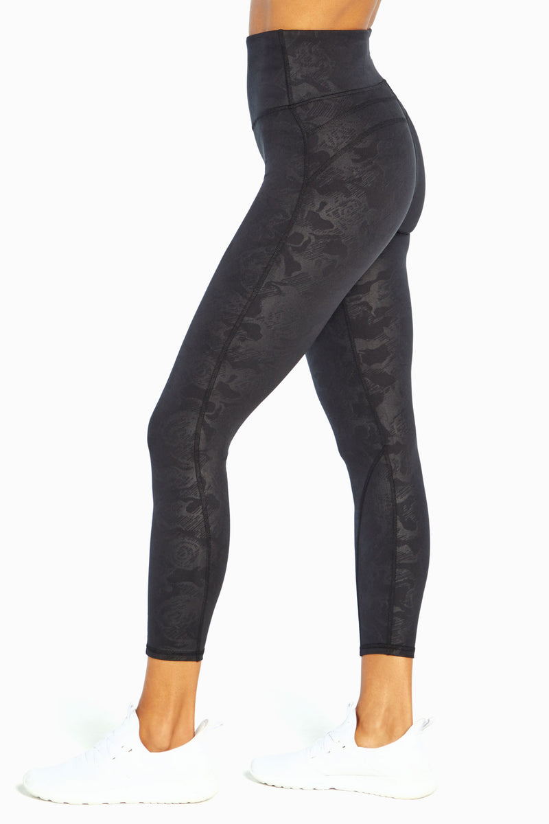 Athena Ankle Legging (Camo Rose Emboss)
