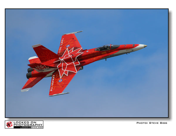 "Giant 14.5"" X 23""  Wall Calendar ""Air Demonstration Teams of the RCAF: 2018"""