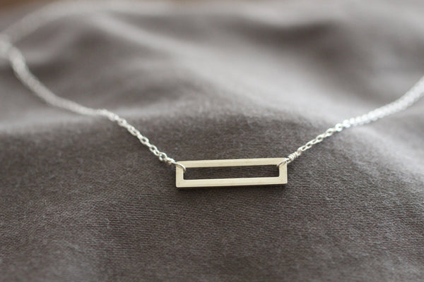 The Ray Rectangle Outline Necklace (Sterling Silver)