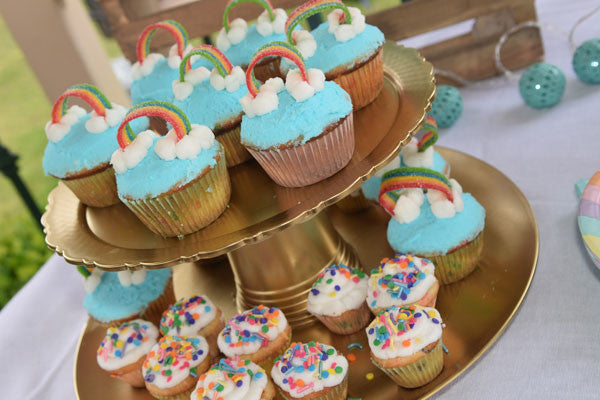 Rainbows-and-unicorn-birthay-duchess-and-goose-rainbow-cupcakes