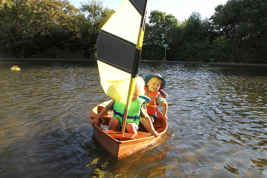 Bumblebee Sailboat For Children Aa Ae Db C A E